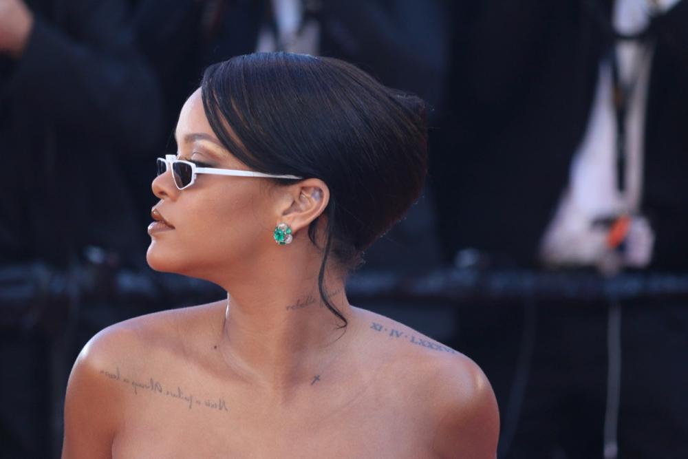 CANNES 2017 : Rihanna sur le Red Carpet (VIDEO)