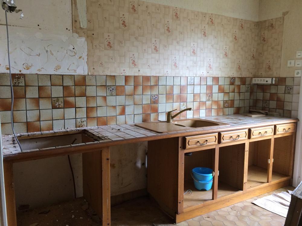bricolage d monter une cuisine en toute s curit. Black Bedroom Furniture Sets. Home Design Ideas